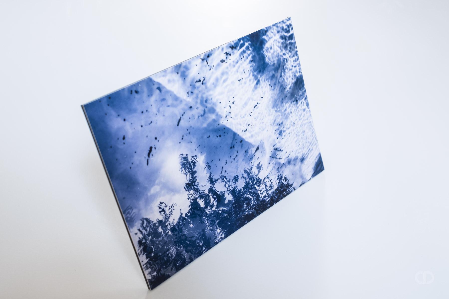 claire-deprez-présentoir-aluminium-face